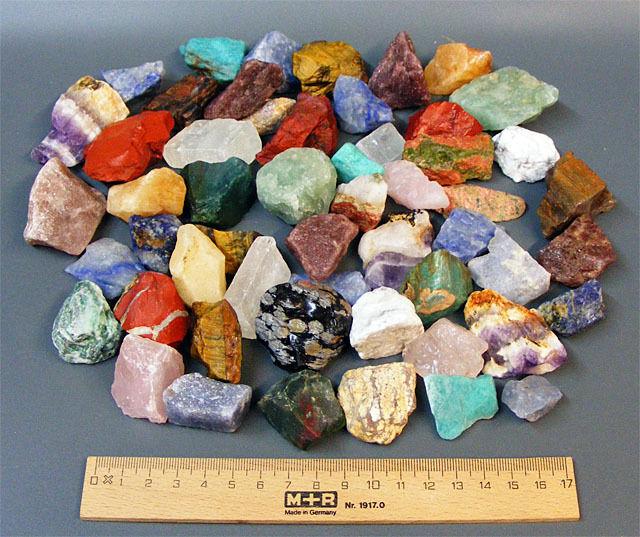 1 kg bunt gemischte EDELSTEINE Rohsteine Wassersteine Dekosteine Mineralien