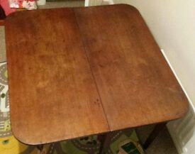 Solid oak antique dining table - very good condition.