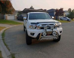 Price reduced!!  LOW KM'S 2012 Toyota Tacoma
