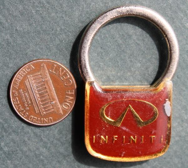 1980s Era Cincinnati,Ohio Infiniti Motor Cars unique design metal keychain-COOL*