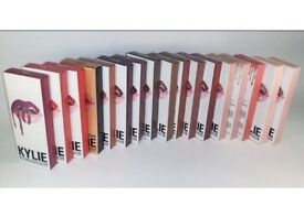 Kylie Jenner lip kit set 1x liquid lip stick matte 1x lip liner