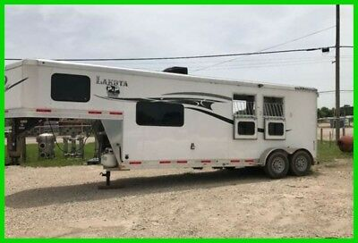 2015 Lakota Charger 2 Horse Gooseneck TRLR Living Quarters Awning Storage TEXAS