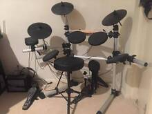 LEGACY - DD402 DIGITAL DRUMKIT WITH BASS PEDAL & RACK Ormiston Redland Area Preview