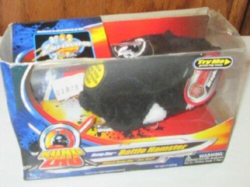 2010 ZHU ZHU Pets KUNG ZHU Battle DRAYKO black &white Hamster toy In DAMAGED Box