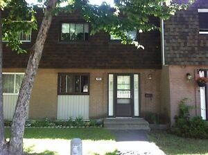 Maison - à vendre - Dollard-Des Ormeaux - 9447123