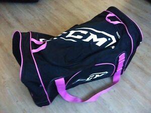 Girls Hockey Bag Like New!!