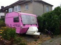 Looking for temp space for my caravan ☺