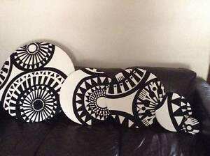 5 pcs Black & white vintage/retro fabric on stretch round canvas Hornsby Hornsby Area Preview