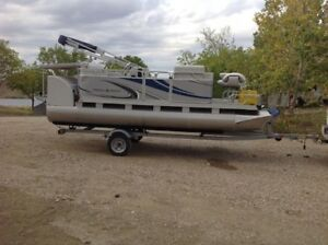 2015 Paddle Qwest 616 Fish 'n Cruise Pedal Pontoon Boat