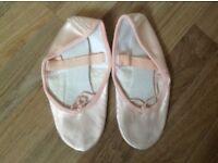 Size 3.5 dusky pink satin ballet shoe