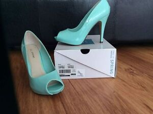 spring lauderman mint green peep toe heels - size 9 Kingston Kingston Area image 1