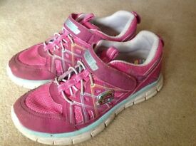 Size 12.5 pink Sketchers with memory foam insoles in excellent condition