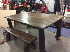 Table de bois grange