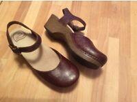 Brand new dark brown floral leather ankle strap Dansko Clogs / Sandals (Sam), size 5.5.