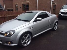 VAUXHALL TIGRA SPORT TWINPORT, EASY TO RUN , ANY TEST DRIVE WELCOME ,CAR STARTS AND DRIVES LIKE NEW