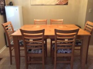 Oak pub style table with 6 chairs