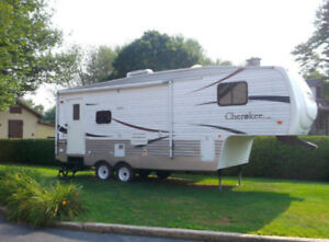 Fifth Wheeh Forest River Cherokee 255S 2008