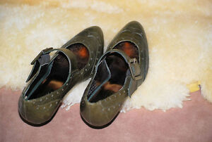 KENNETH COLE  Leather Shoes  Size 6 Kawartha Lakes Peterborough Area image 2