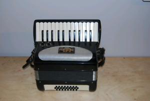 Julio Giulietti Accordion for sale!