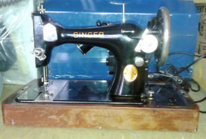 SINGER sewing machine Vintage Collectible Style-Mate 329K