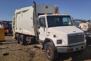 camion de vidange Freightliner 10 roues