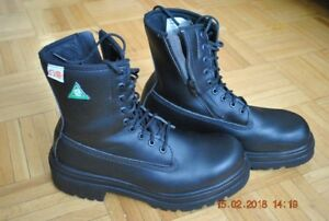 Safety shoes size 10 wide