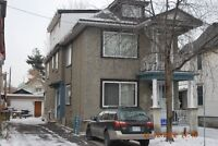 Nice 2 bed room apart. 1st floor of a triplex Sept 15th/Oct 1st.