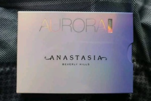 Anastasia Aurora glow kit highlighters