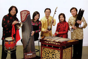 Live Chinese band or piano music provided by virtuosos