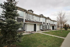 Lovely 2 BDRM STRATHMORE CONDO -A/C, All Appliances, fireplace