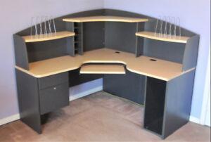 L-Shape Corner Computer Desk & Hutch/Adjustable Computer Chair