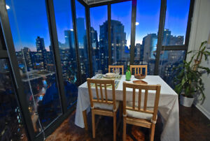 ▶▶ Furnished Yaletown 1 Bedroom + Den with VIEWS!!!! ★★