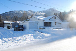 REDUCED: Great Starter Home in Crowsnest Pass
