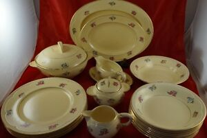 NEWPORT POTTERY CLARICE CLIFF Part Dinnerware Set Pattern Unknow
