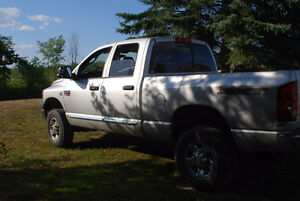 2008 Dodge Power Ram 2500 SXT Pickup Truck