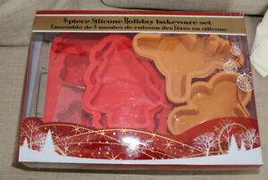 NEW (never used) 8-piece Silicone Holiday themed bakeware set