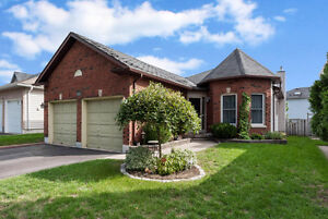 ***PRICE REDUCTION*** Beautiful Bungalow In Barrie!!!