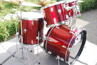 EXCELLENT COMPLETE DRUM SET PACKAGE w/ PEARL SNARE DRUM