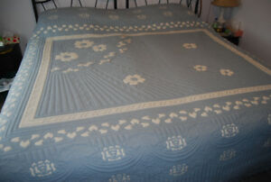 Queen size bed-spread  /  Couvre lit Grand Format