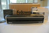 Fellowes Laminator Venus 2(125 (New in Box)