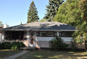 1326 7th Avenue NW, Moose Jaw