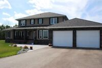 Stunning private acreage 8 min from Leduc.