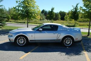 2012 Ford Mustang PREMIUM Coupe (2 door)