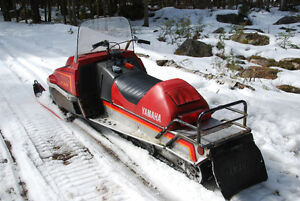 2 YAMAHA Enticer Long Tracks 340 Snowmobiles and Double Trailer