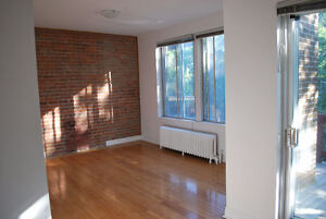 NDG -July 1st-  Large 5 1/2 - 2 closed bedrooms - 2 balc.