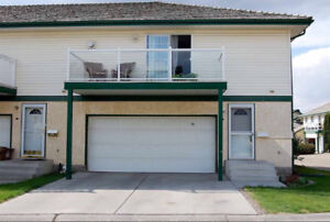 Great townhouse in St.Albert with low condo fees!!