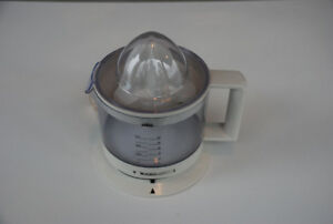 Braun Citrus Juicer (pulp adjuster, reversing cone, manual)