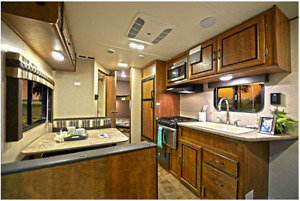 For Rent: BRAND NEW 2017 Zinger 252 Travel Trailer by Crossroads