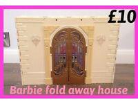 BARBIE FOLD AWAY HOUSE