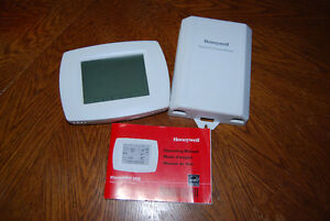 Honeywell  PRO IAQ  universal programmable thermostat